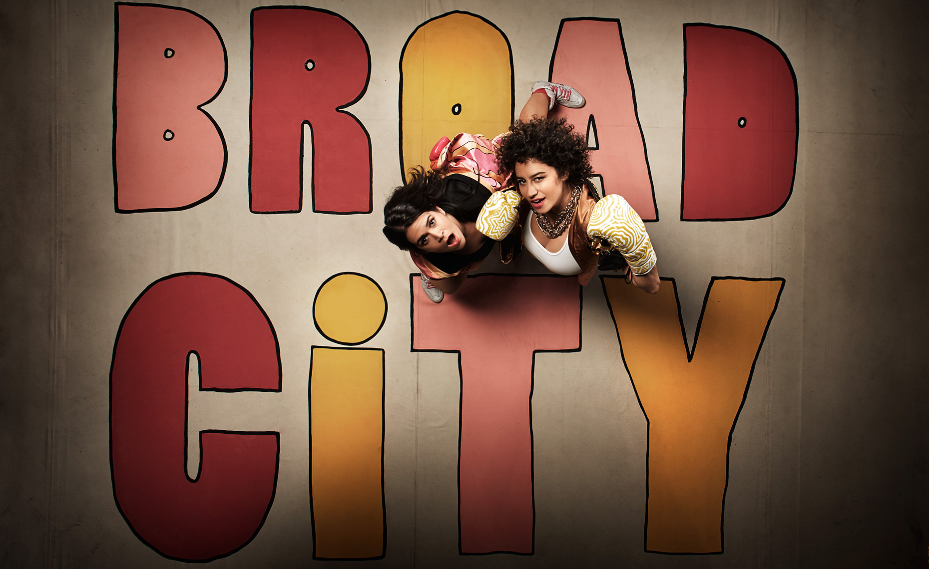 BROAD-CITY-S3-OVERHEAD-PLATES-2136